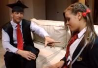 Neķītras studentes Ashlynn anālais sekss