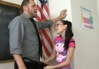 Viņa vēlas būt skolotāja mājdzivnieks